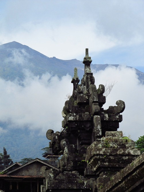 Mount Agung, the physical manifestation of Mount Meru (the centre of universe)